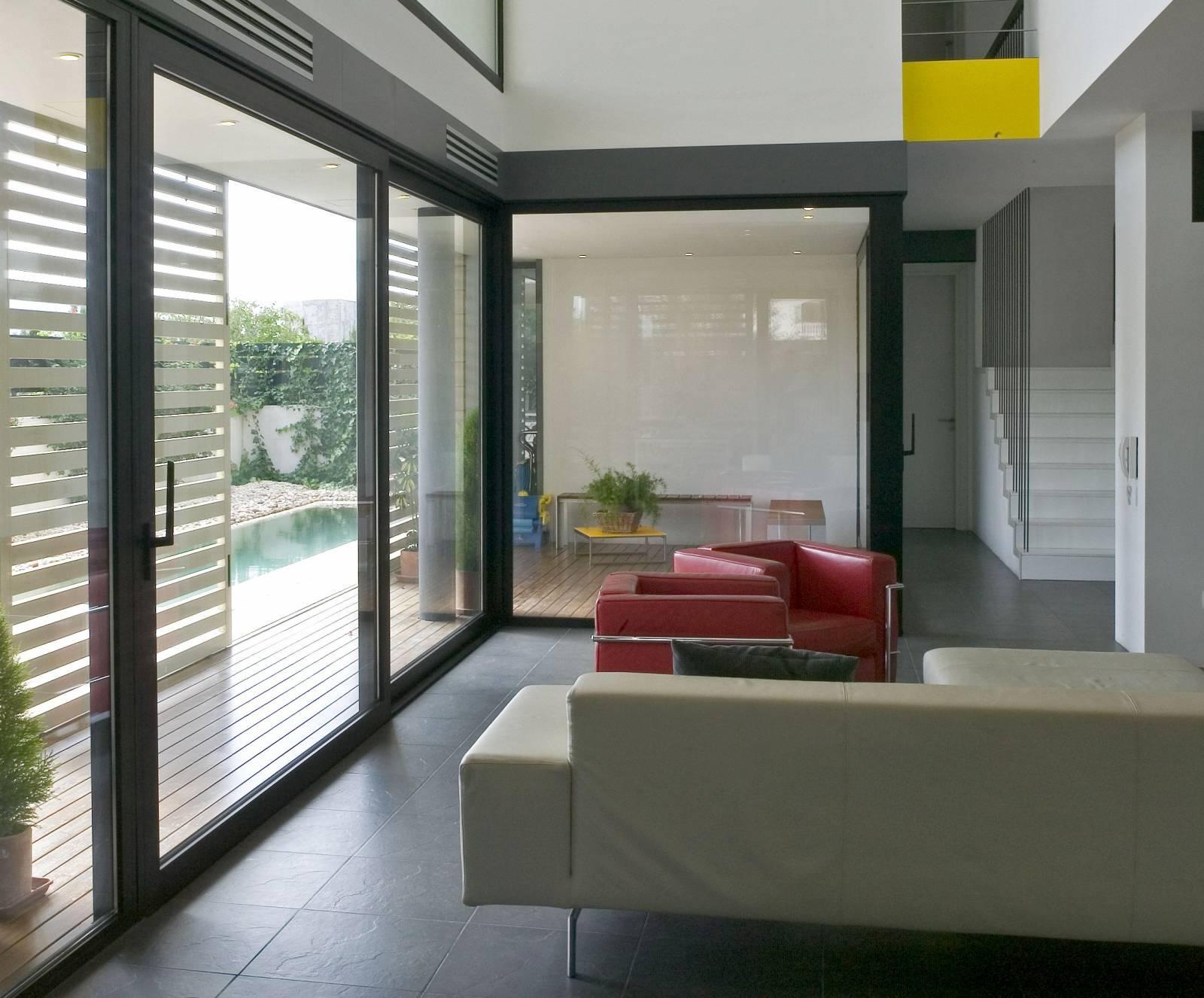 baie vitr e coulissante technal ch ssis coulissant lumeal aix en provence 13100 entreprise. Black Bedroom Furniture Sets. Home Design Ideas